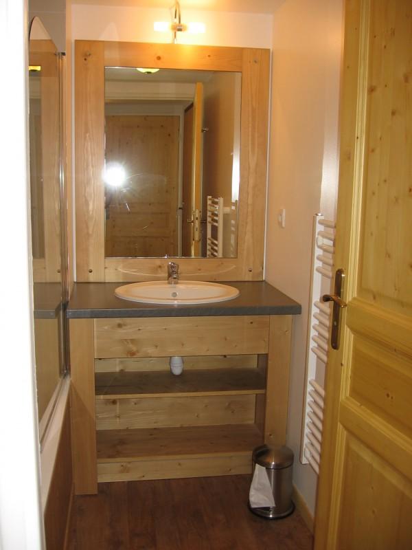 salle-de-bain-terrasses-de-la-bergerie-orcieres-labellemontagne-odalyss-12573
